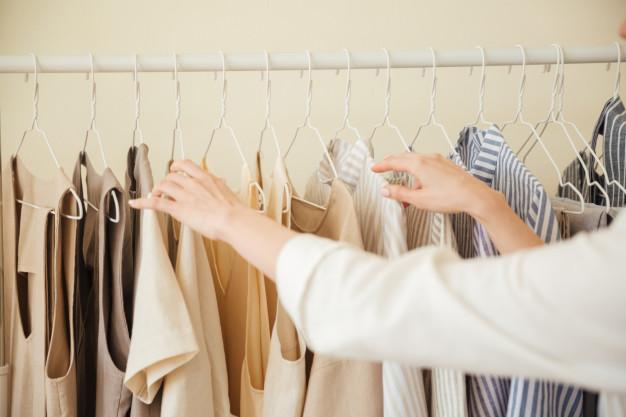 close-up-clothes-hanging-rack_171337-7196