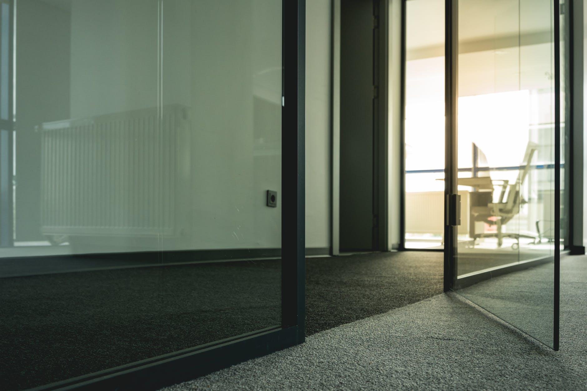 sklenené dver
